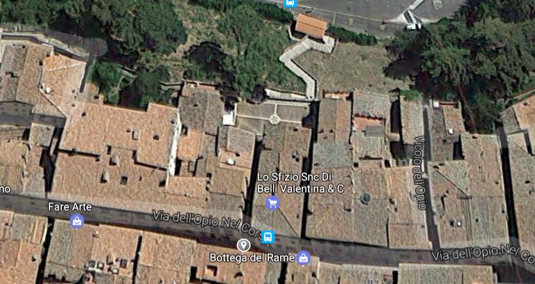 plaza en montepulciano