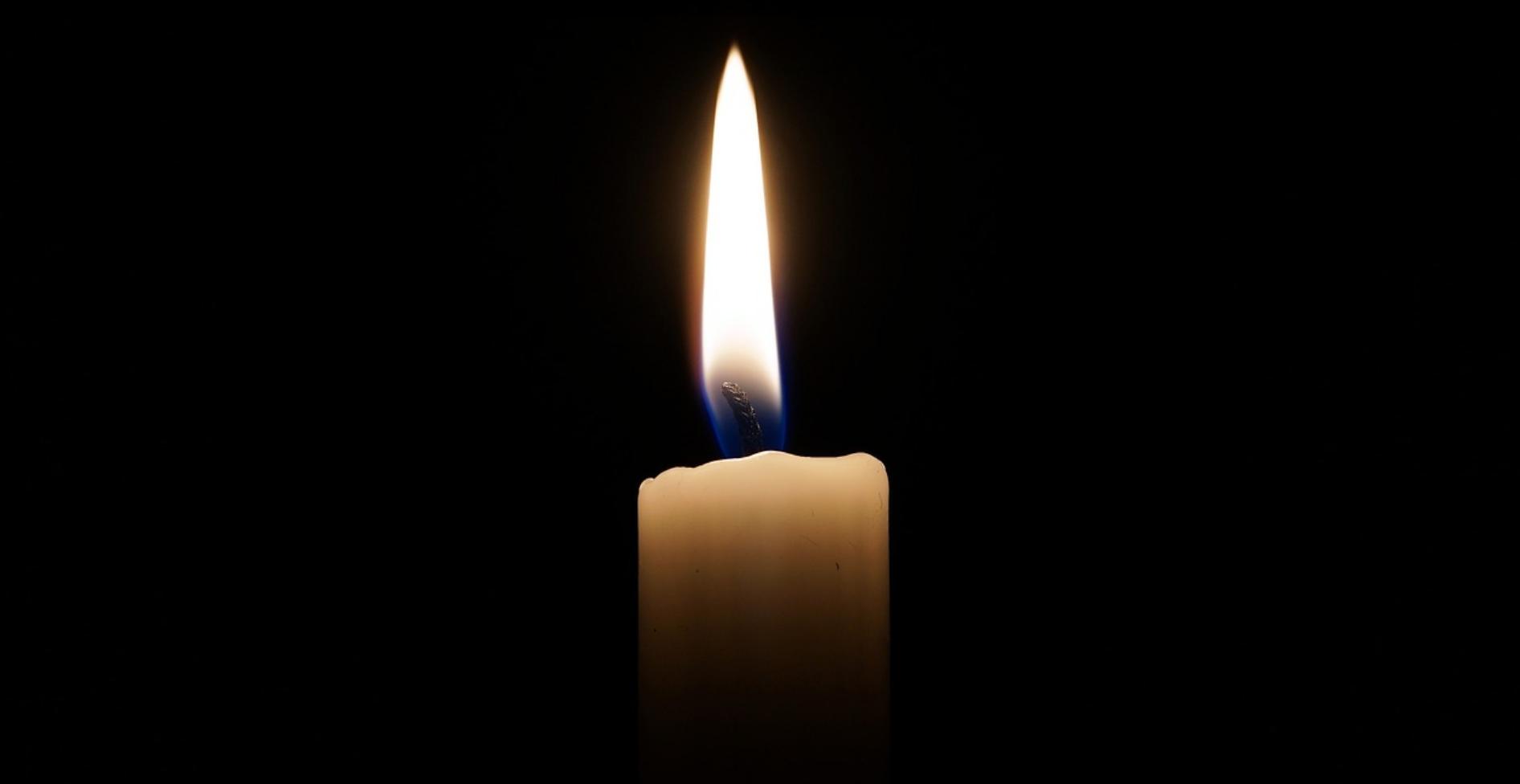 meditar con una vela