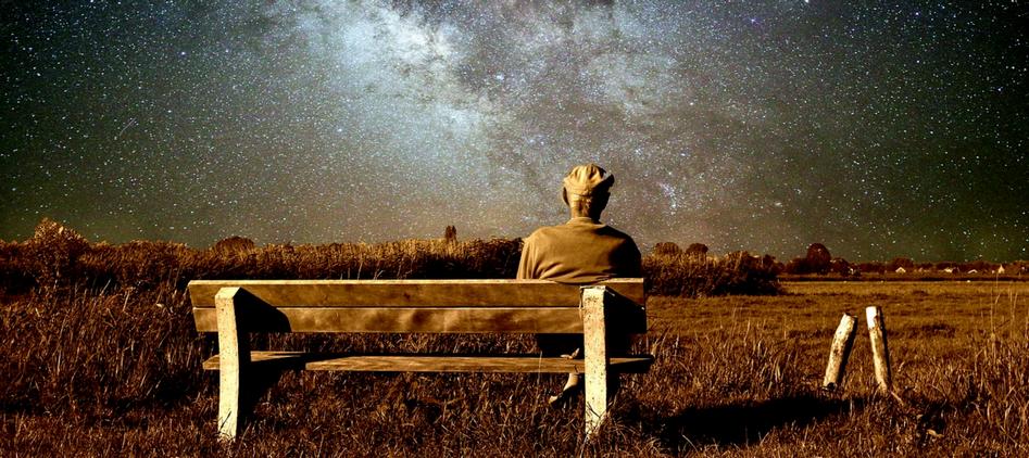sentarse en un banco